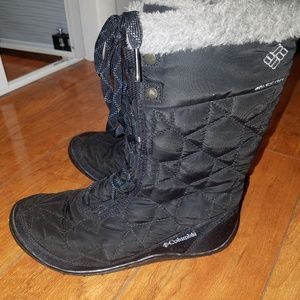 Black Columbia winter snow boots